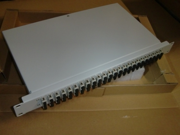 "DN-96422-F 19""-Spleißkassette / Patch-Panel 24x SC-D OM2"